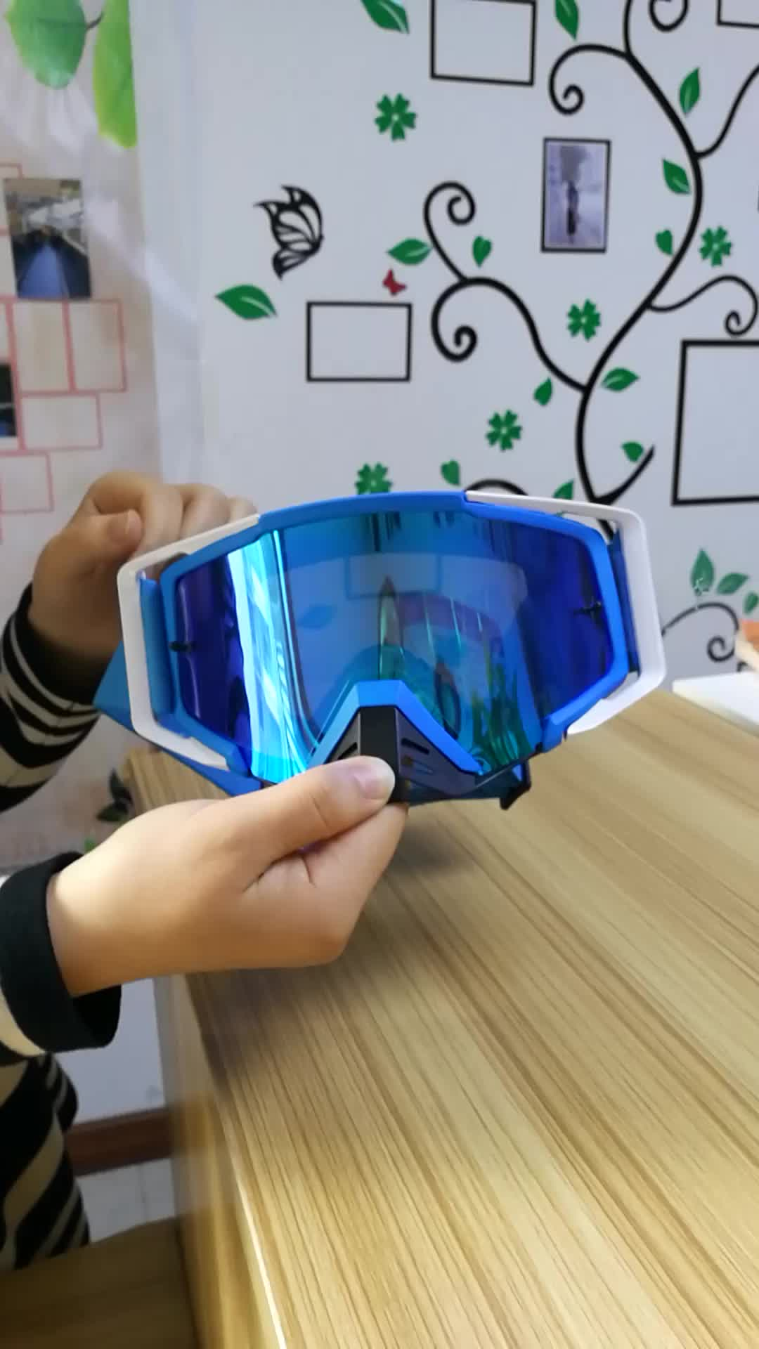 Goggles with UV400 for Motocross skiing climbing and horse riding