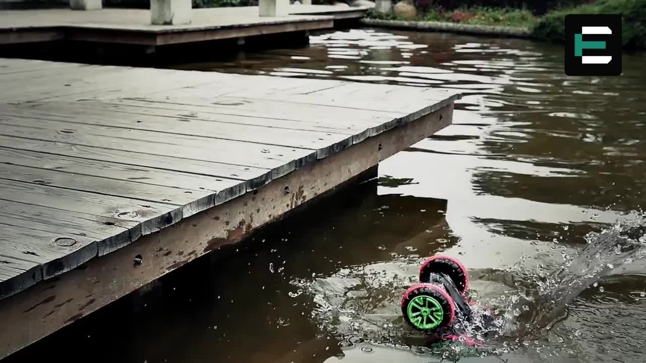 Stunt car 2.4Ghz 4WD 6CH RC off road double sided car with 360 degree spins and flips land and water