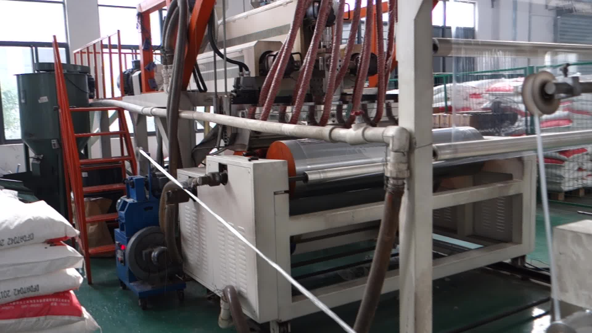 Black machine use lldpe wrapping film for pallet wrapping 500m width 17mic
