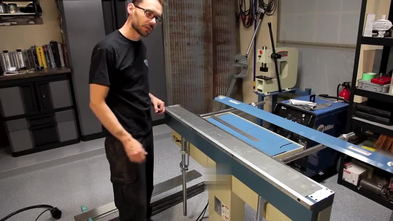 צינור אוויר פניאומטיים מכונת כיפוף מכונת קיפול