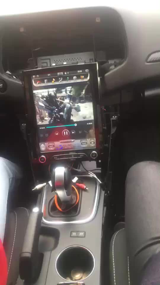 Tesla Style 10.4 ''Schermo Verticale Android Car DVD Player Sistema Multimediale per Renault Megane 4 con il GPS