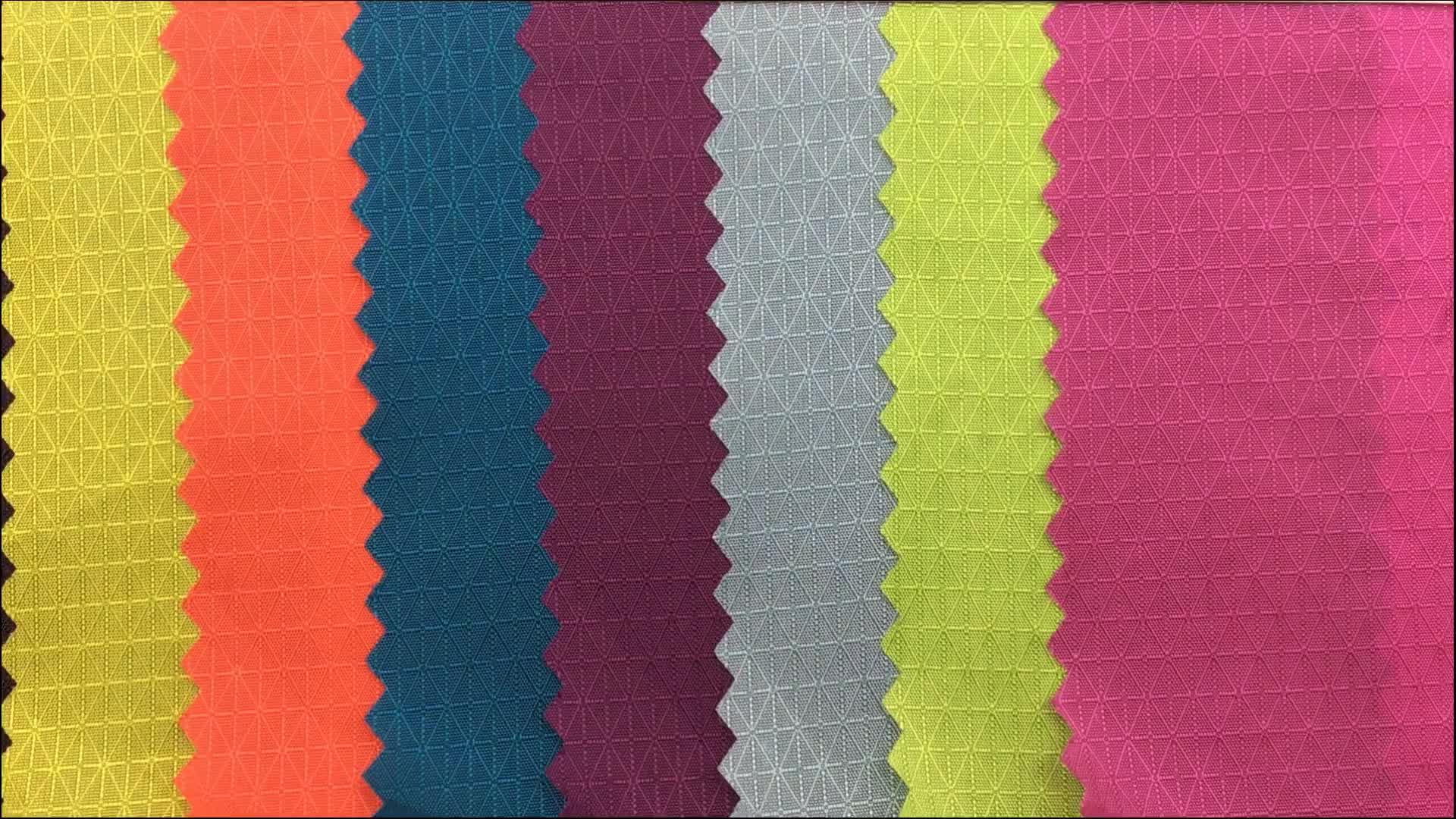 Venta al por mayor ultraligero 40D brillo Hilados de nylon ripstop tela con pu recubierto
