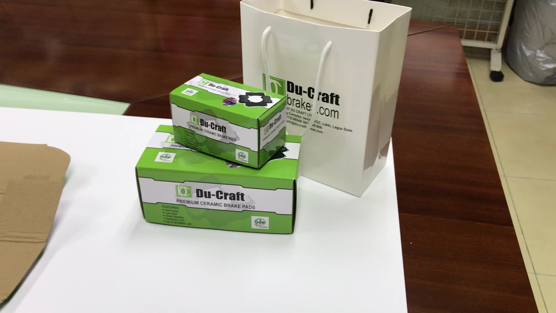 Custom made corrugated cardboard boxes for color packing