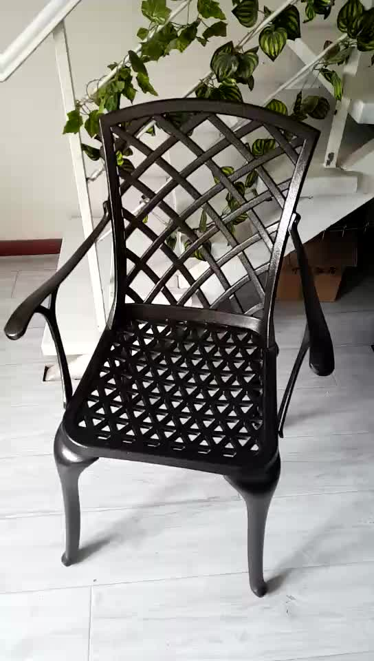 Popular 4 seater round cast aluminum outdoor furniture table and chairs