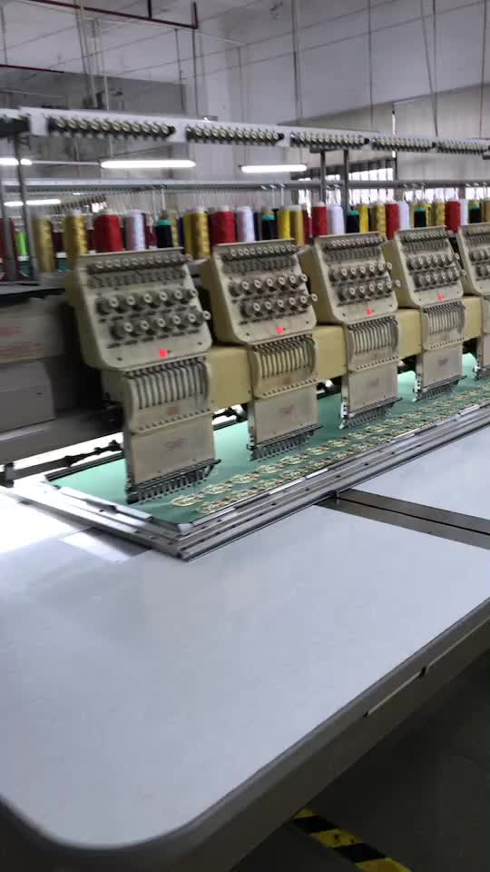Alta qualità su ordine del ricamo patch prodotto sew on/ferro ricamo patch