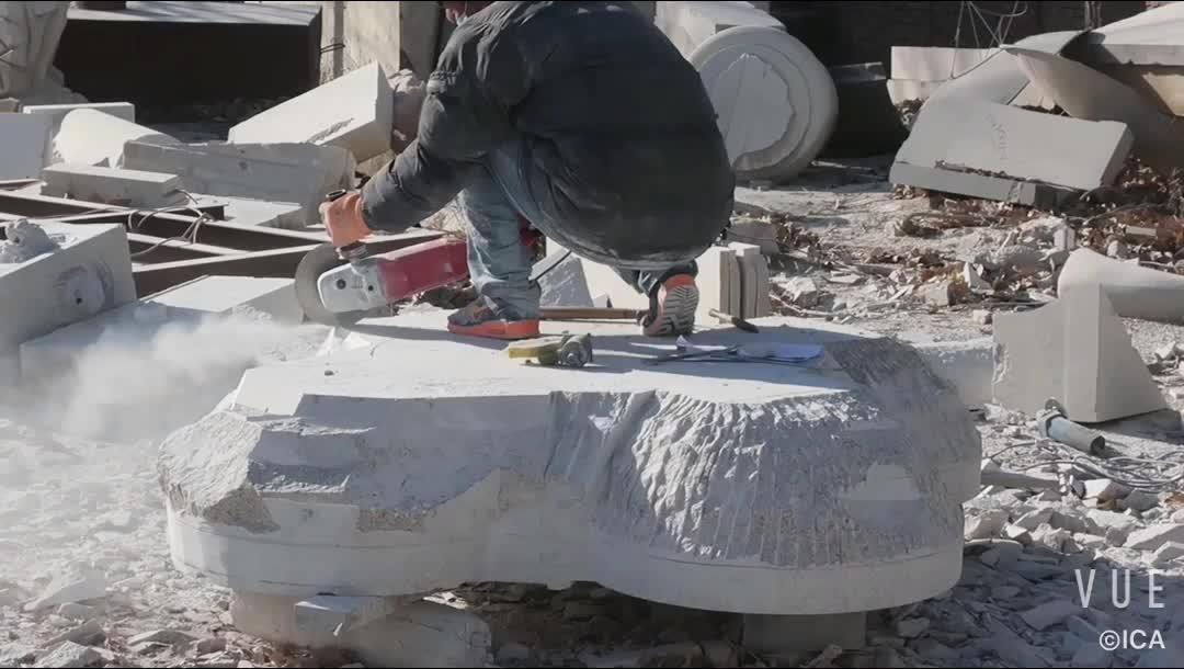 Hand gesneden witte mooie sculptuur outdoor vijver fontein
