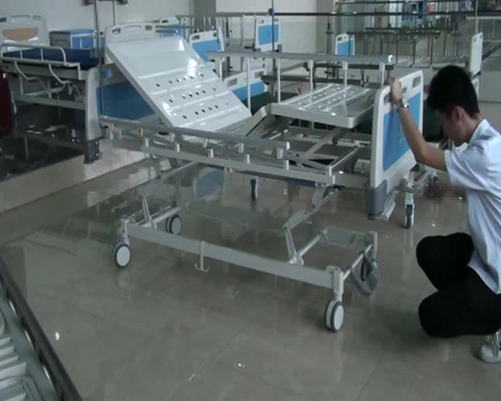 manual 3 crank adjustable cheap hospital bed for disabled patient
