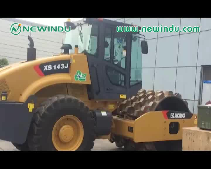 High Quality Chinese 14 ton Vibratory Compacting Roller XS142J