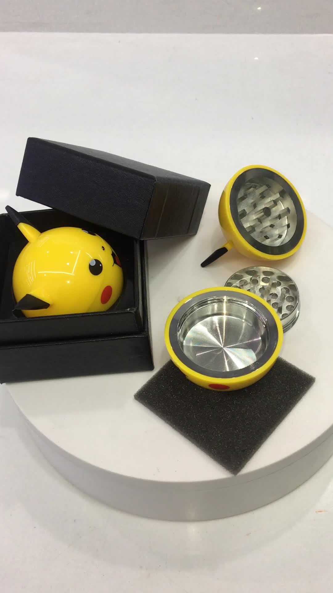 Erliao hot selling 3 piece 55mm Pikachu tobacco herb grinder with gift box