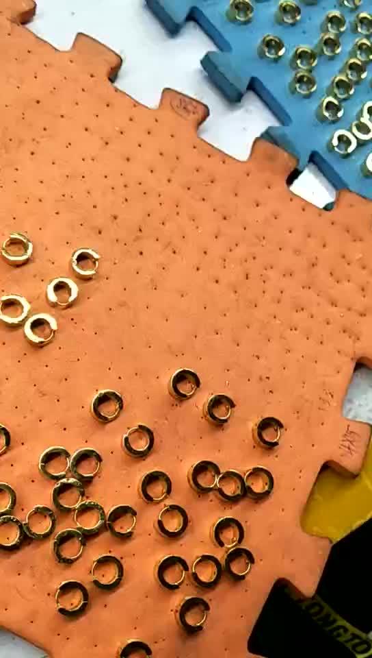ジュエリー卸売中国格安 10 ミリメートルに 15 ミリメートル直径小さなゴールド男性と女性のため