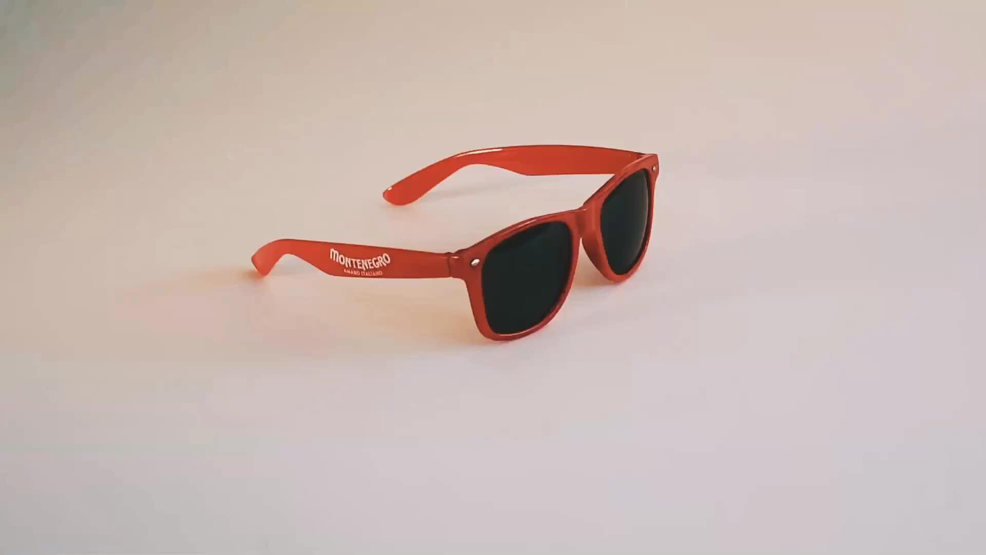 Plastica Promozione Logo Personalizzato Stampato Marchio Proprio Nome Logo CE UV400 occhiali da Sole