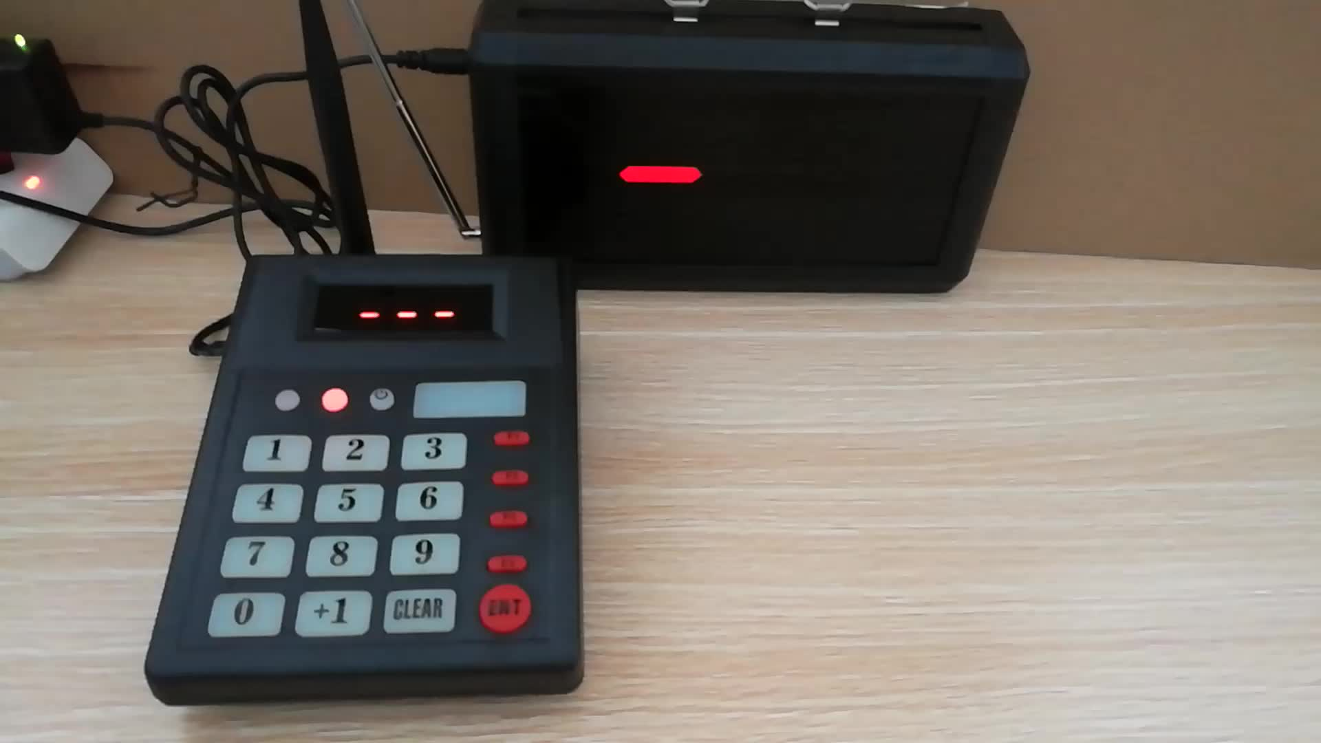 Led Display Numerical Wireless Queue Management System Ticket Dispenser