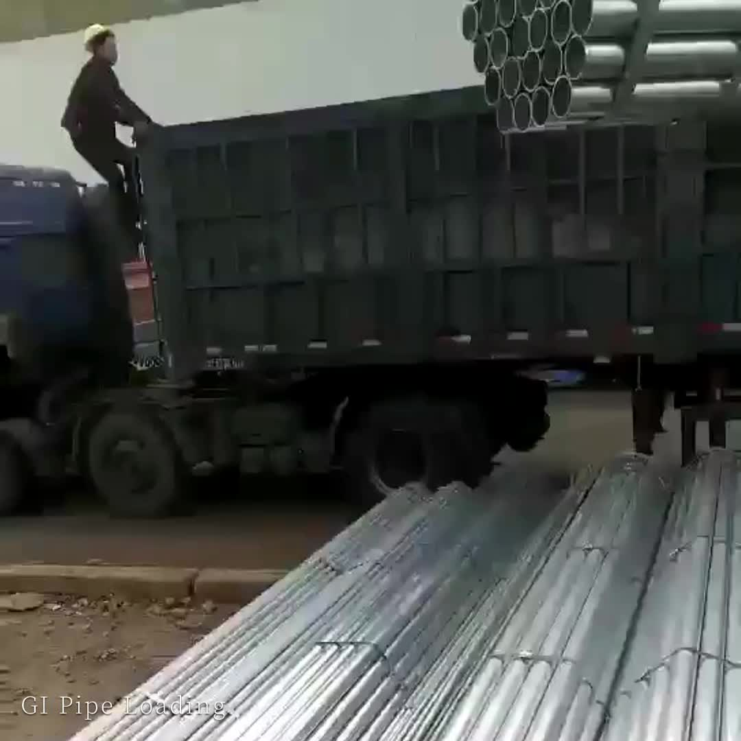 GALVANIZED RECTANGULAR STEEL PIPE WITH GROOVES ON SURFACE