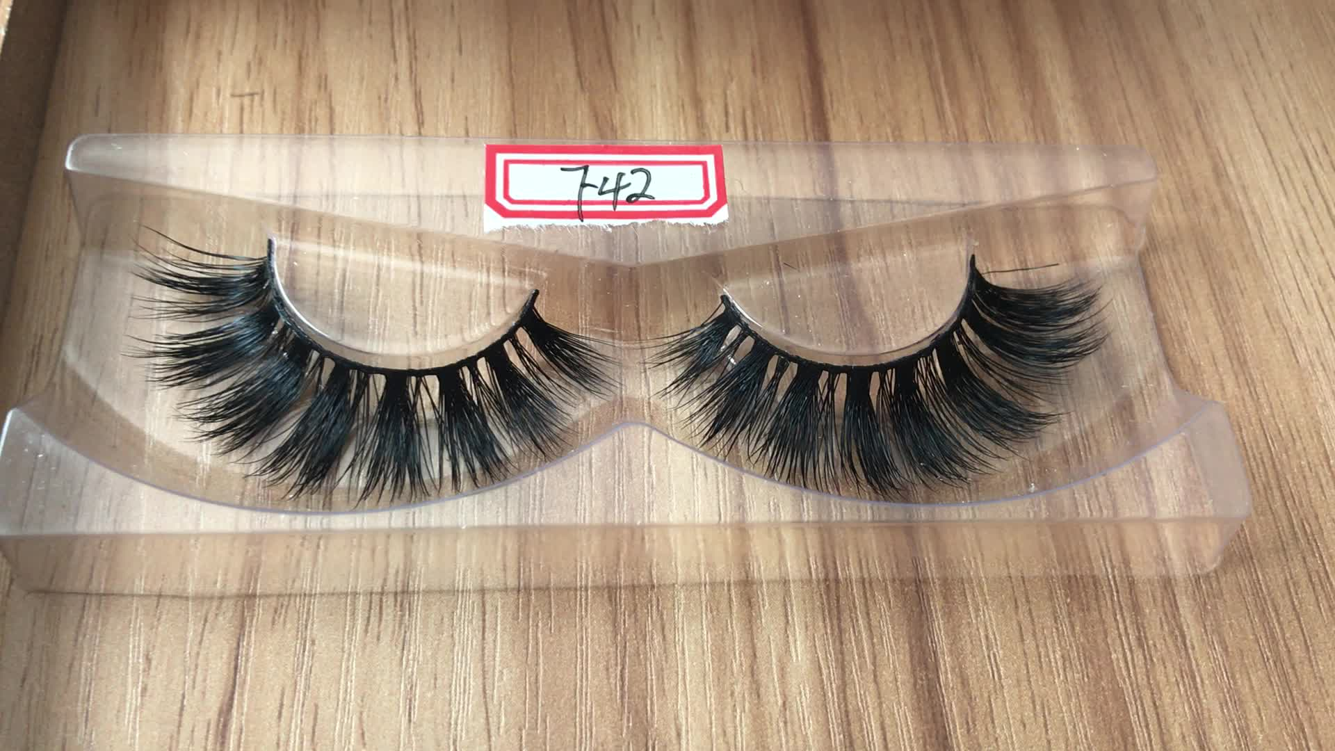 Cruelty free natural lashes mink eyelash vendor with custom packaging