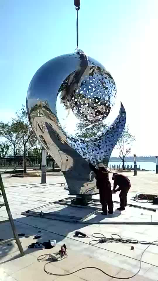 2020 Hot-selling large shiny taiji sculpture installed at wetland park