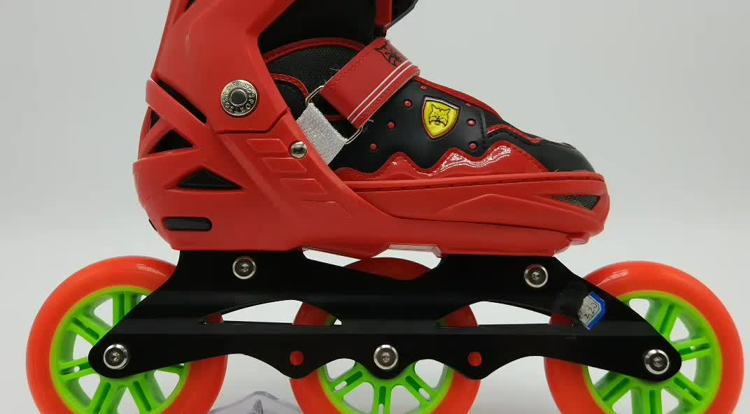 2019 inline three wheel roller skate shoes for kids