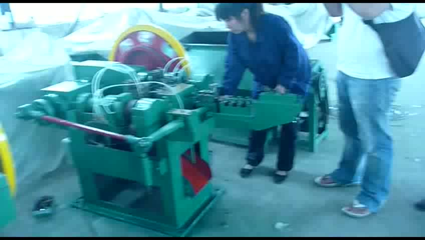 Hot selling automatic wire nail making machine with 2 years warranty