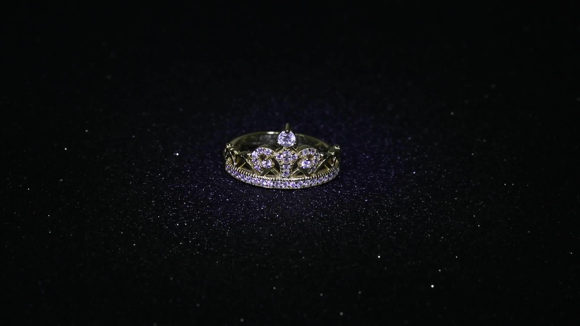 Latest Wholesale Gold Plated Silver Engagement Crown Ring For Women