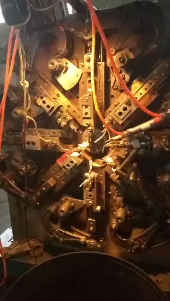 อุปกรณ์เสริมเครื่องจักรกลการเกษตร Torsion Springs ฟันก้ามปูยืดหยุ่น