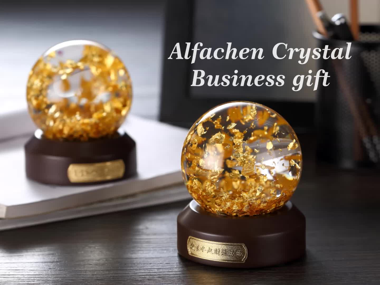 Gold blättert Schnee-Ball-Andenken-Wasser-Glaskugel ab