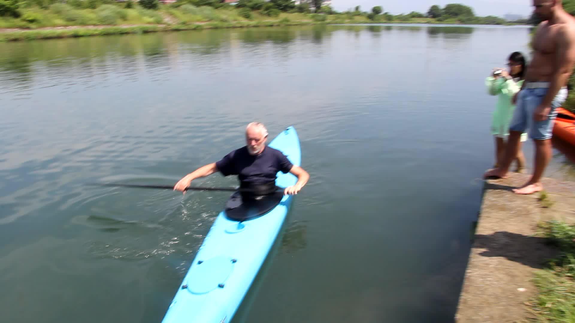 LIKER KAYAK Single Plastic Sea Kajak si in Ocean Kayak with CE