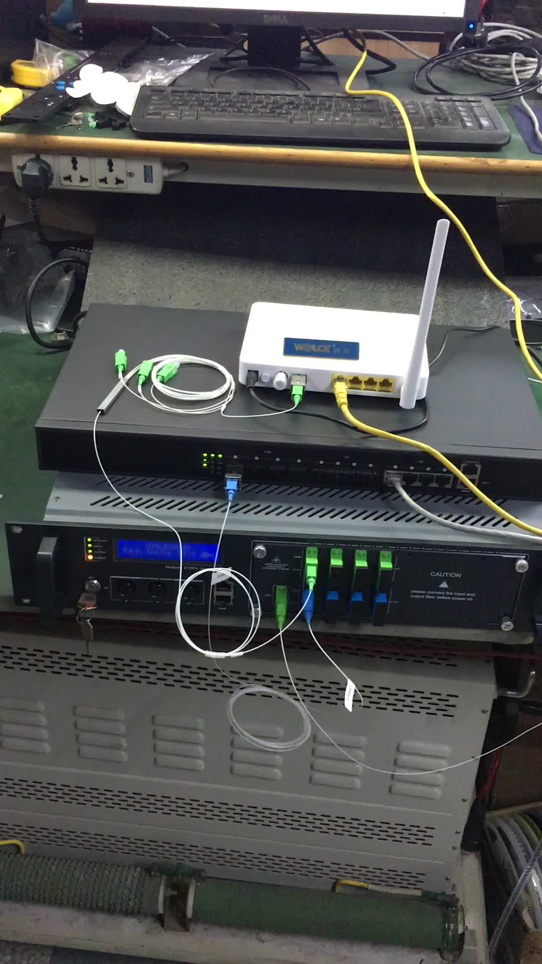 FTTH Optical Line Terminal 4 PON OLT Fiber Optic Equipment