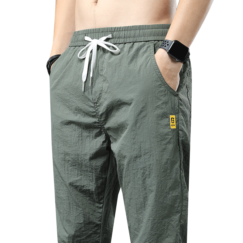 范斯搭配什么裤子:男生vans搭配的裤子