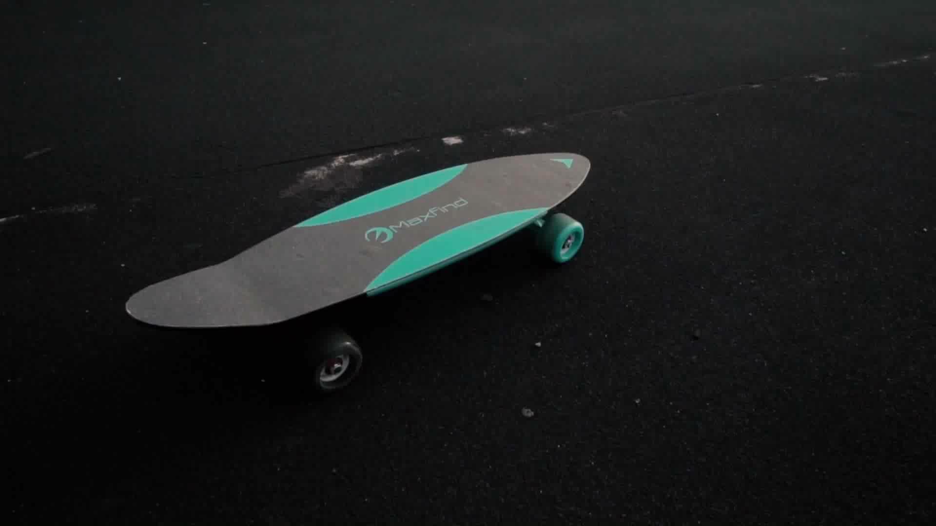 Maxfind mini smart board electric skateboard in Skate Board