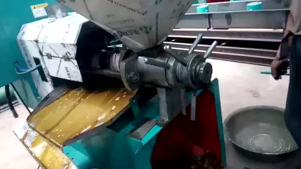 फिलीपीन कुंवारी नारियल तेल निष्कर्षण मशीन पेंच ठंड तेल प्रेस मशीन के लिए सिंगापुर Lemongrass तेल निष्कर्षण संयंत्र