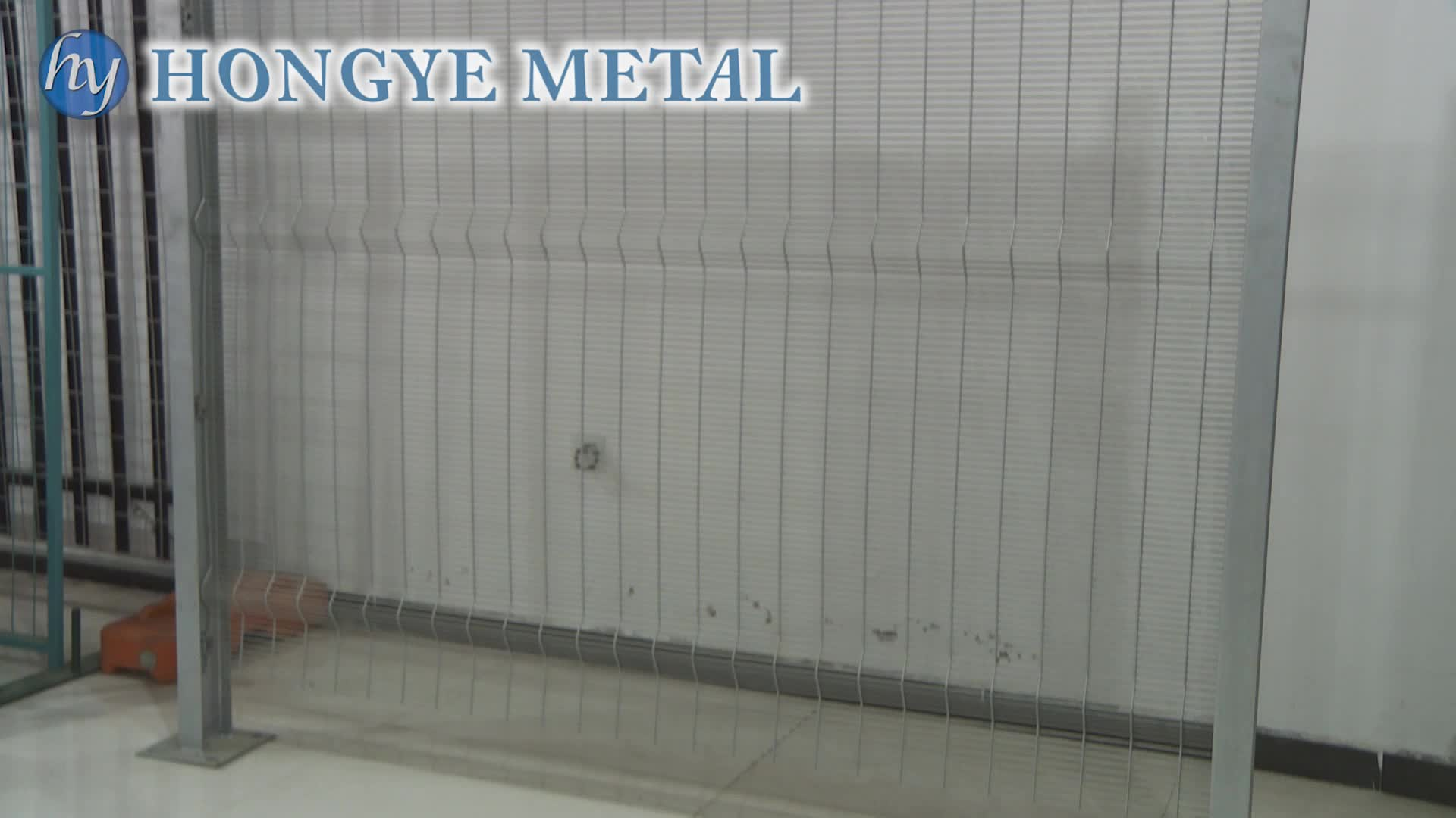 High Quality Outdoor Retractable Cyclone Pvc Coated 3d Wire Mesh ...