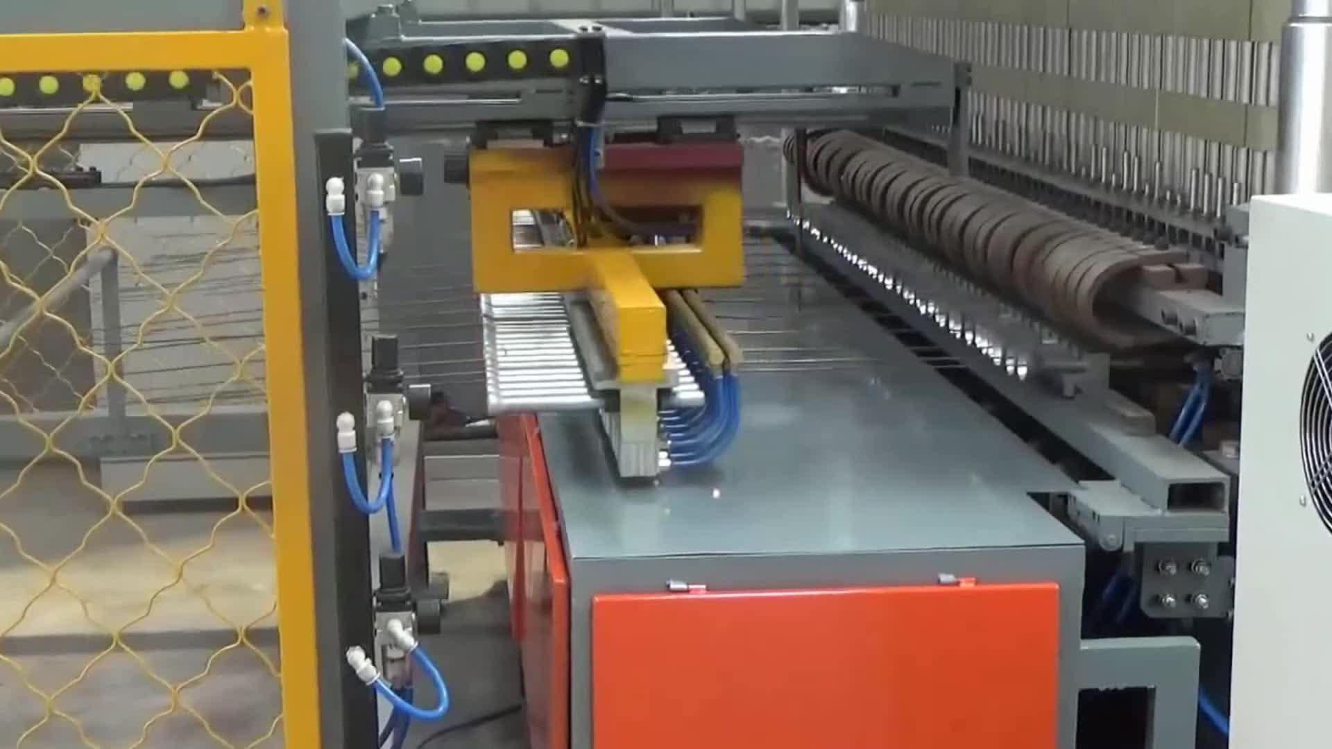 Euro zincato pieghevole triangolo saldato recinzione in rete fabbricazione pannello maglia di saldatura macchina