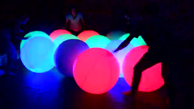 Color Changing Interactive Balls /LED Lighting Touch Control Inflatable Crowd Zygote Party Balloon for Concert Decorations