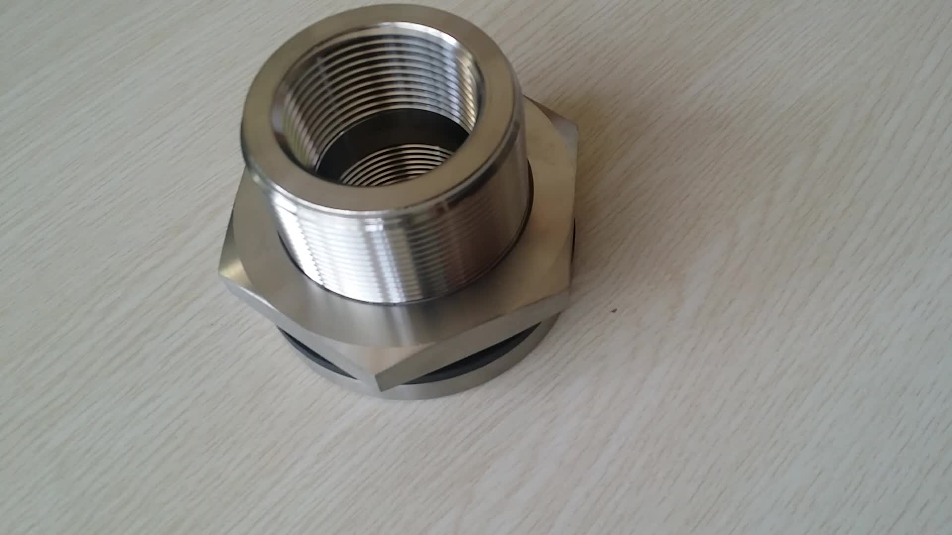 Thread stainless steel through wall pipe fittings
