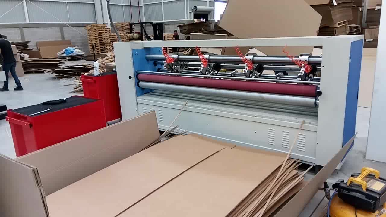 Corrugated cardboard thin blade slitter scorer cutting machine