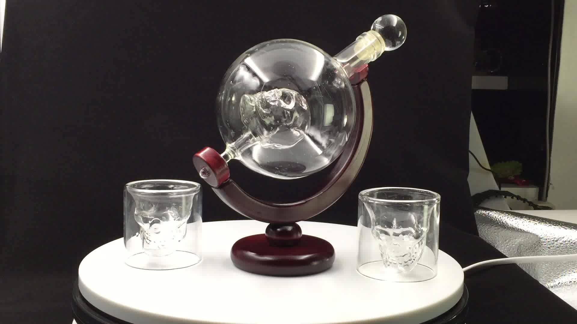 Schnaps Scotch Bourbon Wodka und Wein 850 ml Skeleton form Whiskey Decanter Set Mit 2 Whisky Gläser