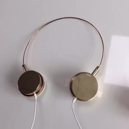 New coming 30mm cheap stereo headphones free sample colour cute kid China headphones earphone price noise cancelling wholesale