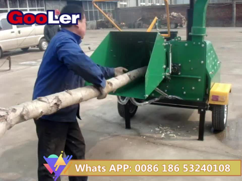Two hydraulic feeding rollers ATV towable Wood chipper WC-40 with CE certificate