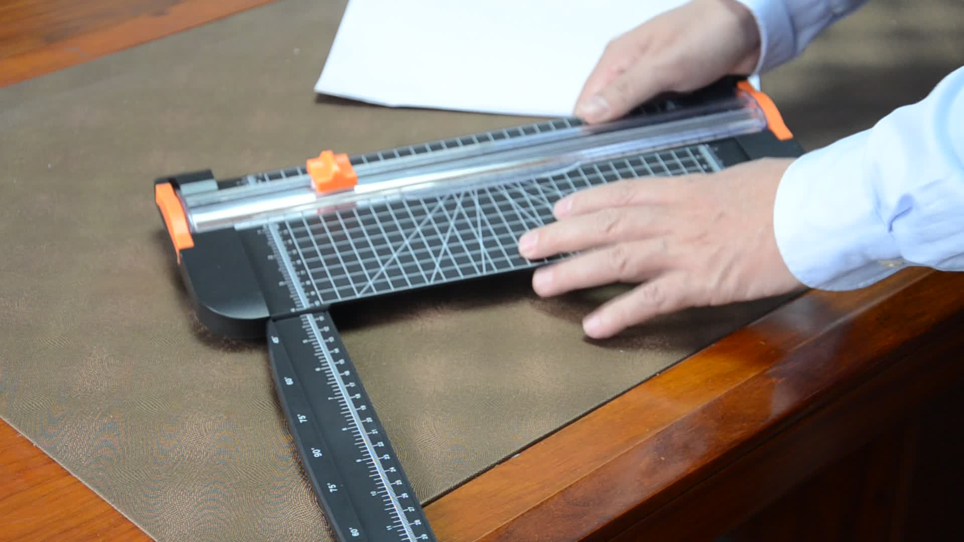 Multifunction  paper trimmer factory OEM for customer  a4  sliding knife  paper cutter  easy to use and Safe to use