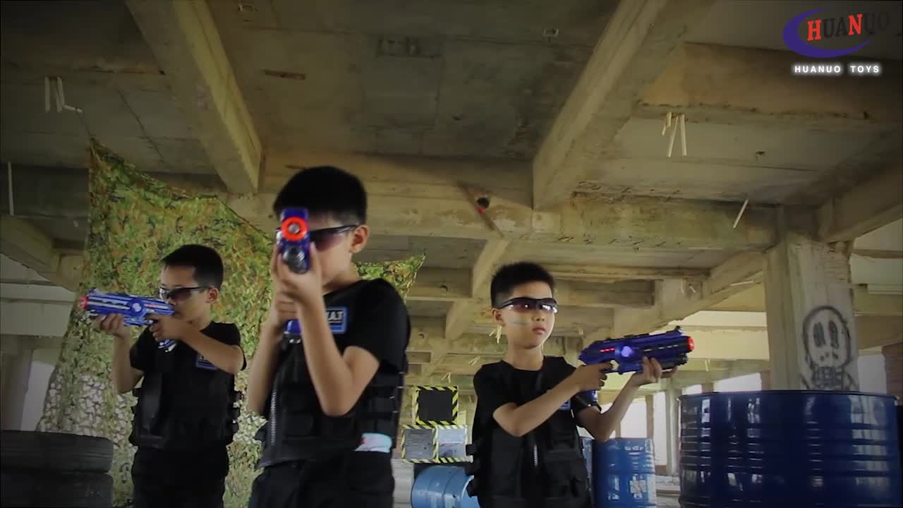 sound vibration shooting game electric laser tag set toy infrared laser gun with light