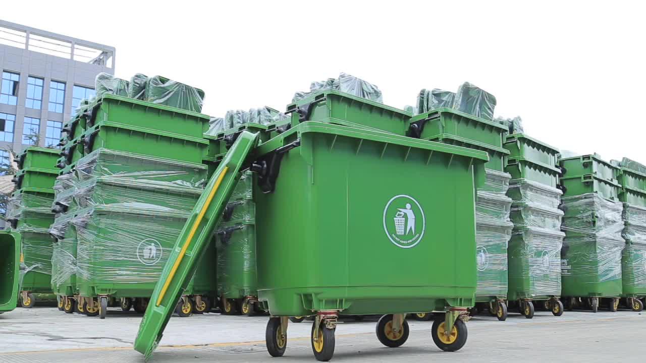 เป็นมิตรกับสิ่งแวดล้อมขายส่ง lidded 660 ลิตรถังขยะพลาสติกสำหรับการก่อสร้าง