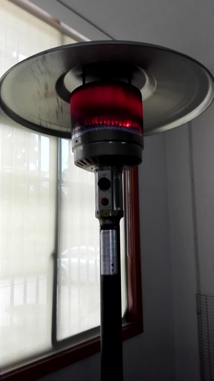 कारखाने सीधे बेचने फ्रीस्टैंडिंग गैस अवरक्त आउटडोर patio हीटर में प्रबल