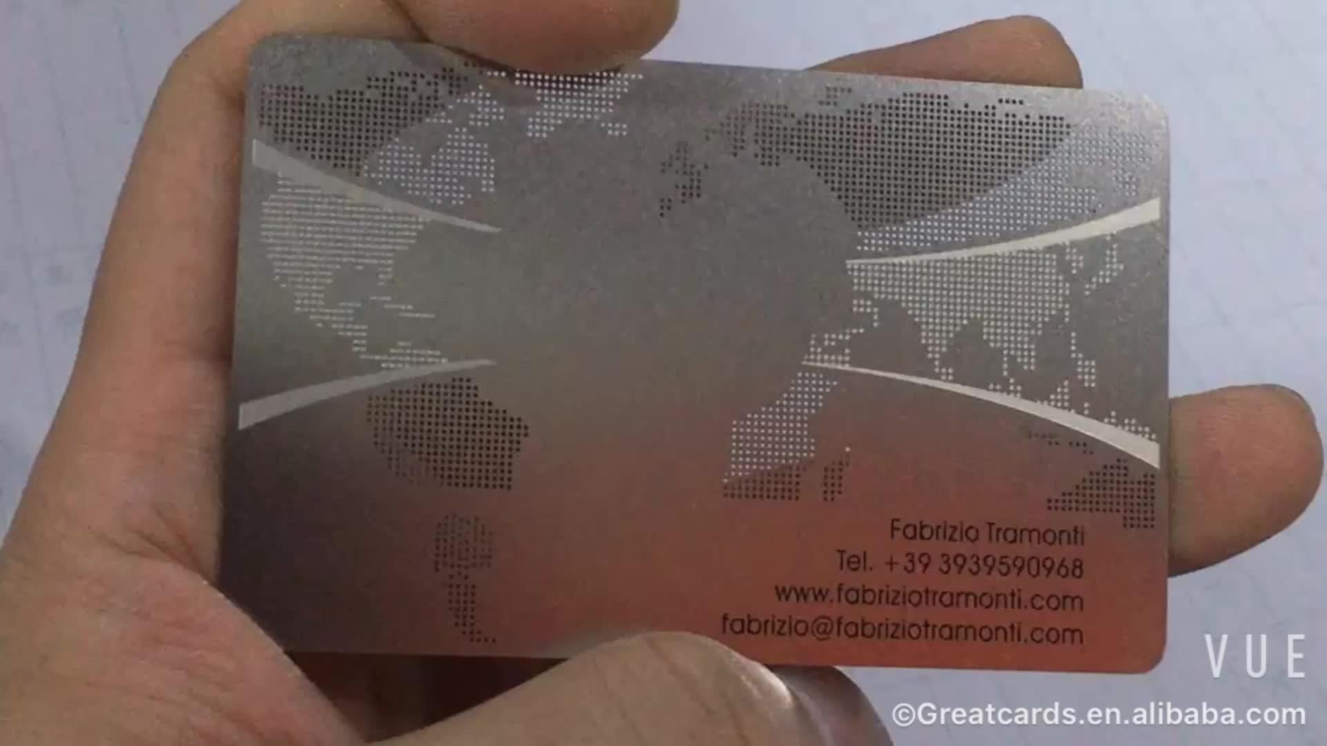 Großhandel hochwertige edelstahl business metall karten mit dot cut out