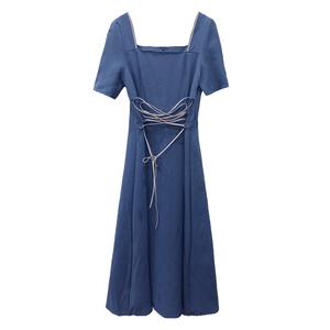 法式复古优雅气质方领收腰连衣裙