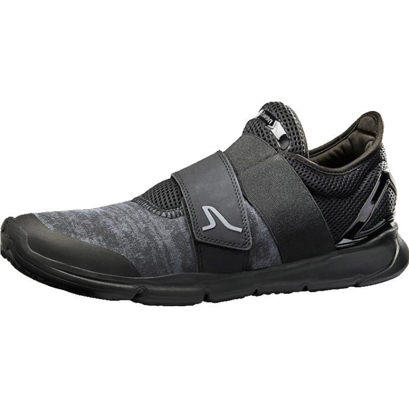 迪卡侬男士运动鞋冬季透气轻便男鞋好用吗