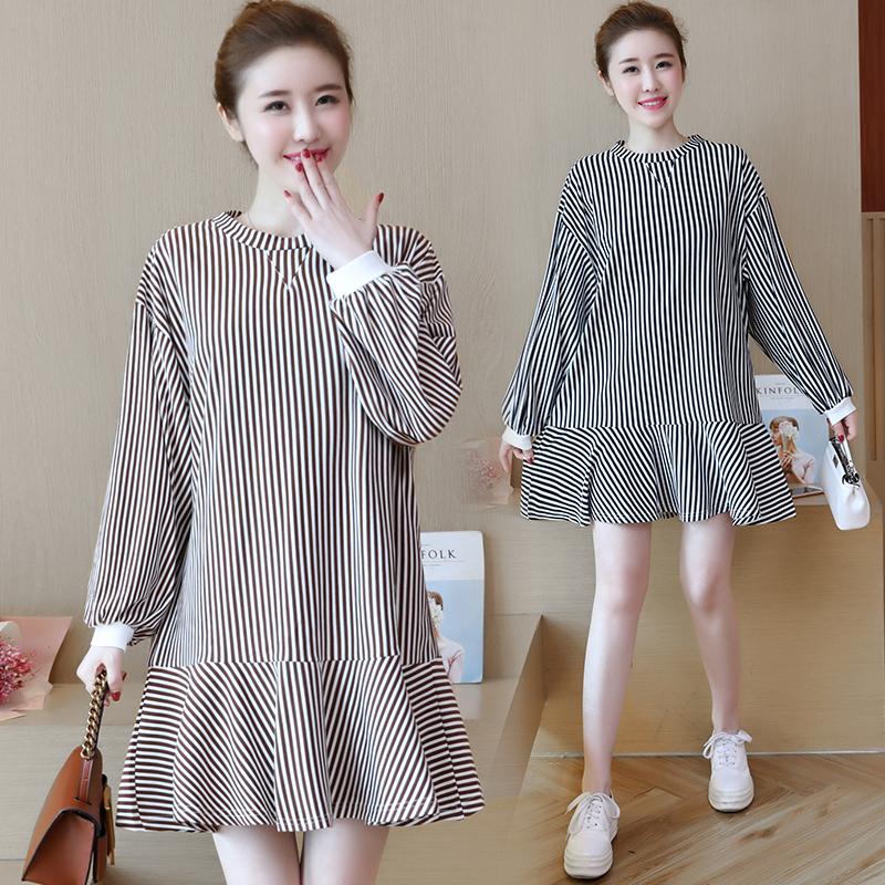 实拍韩国2018春款新款宽松条纹圆领灯笼袖针织连衣裙