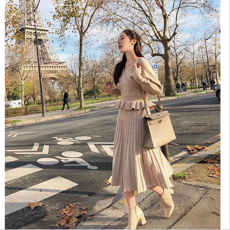 林珊珊 2017秋冬新款修身v领上衣打底衫百褶半身裙针织两件套装女