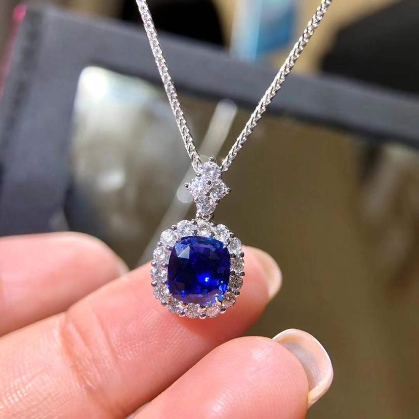 2.01克拉无烧皇家蓝宝石吊坠配钻0.552ct 金重1.66g~ 晶体干净