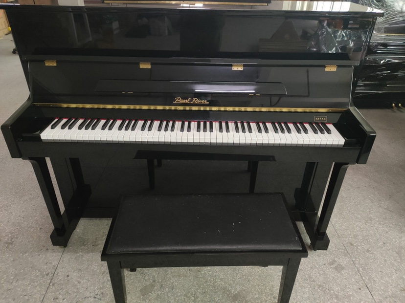 珠江118二手钢琴九成新