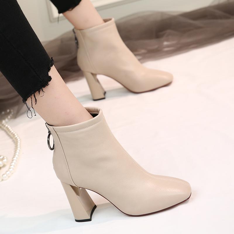 马丁靴女英伦风短靴新款网红瘦瘦靴子百搭春秋单靴粗跟方头高跟鞋