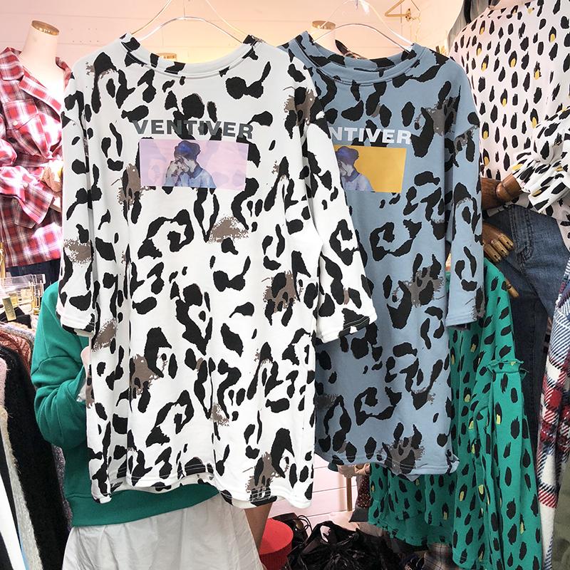 初秋新款女装韩版宽松休闲圆领套头百搭显瘦中长款豹纹中袖T恤潮